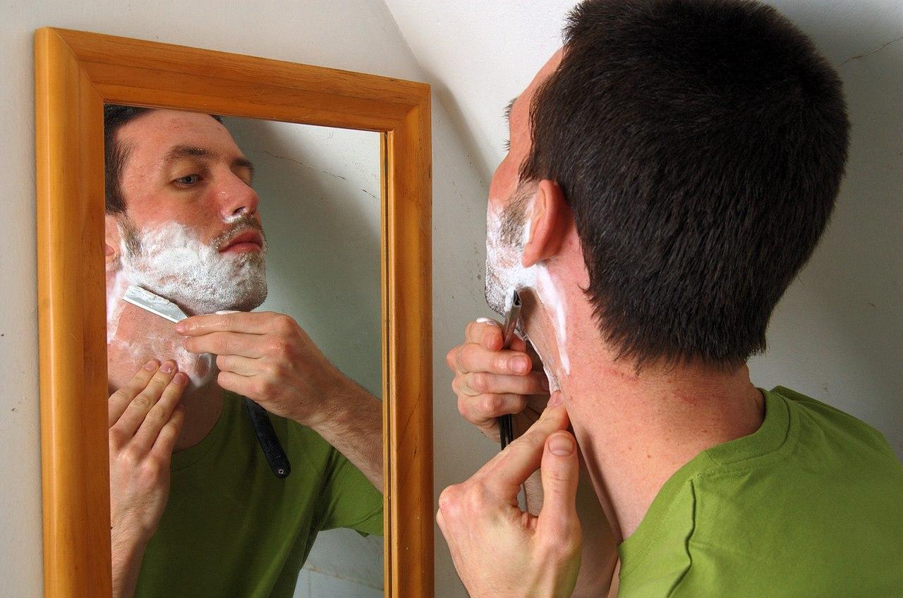 새로 밝혀진 면도(shaving)의 과학: 모발이 면도날을 무디게 하는 이유